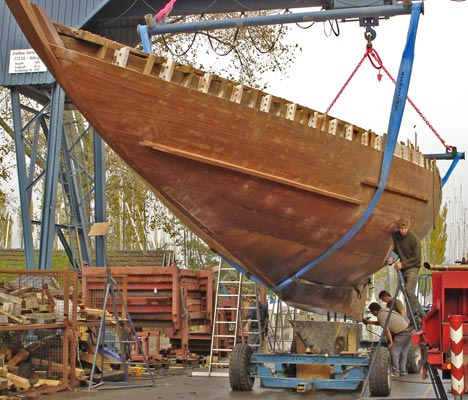 Attaching the keel